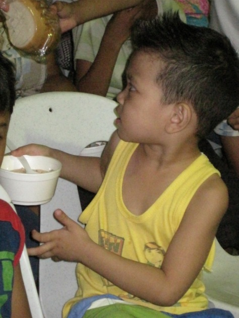 More than 400 were fed a simple dinner of bread and traditional soup.