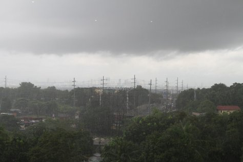 Manila receives heavy rain from Typhoon Labuyo (Utor)